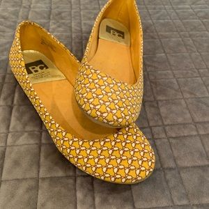 BC flats size 6 1/2 yellow w/ butterfly 🦋 pattern